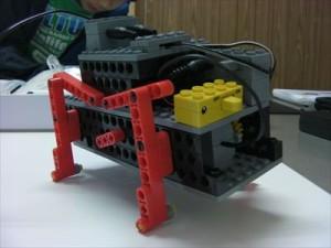 1月・2月 ムシ型ロボット「バグモジョラ」