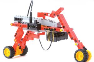 ミドルコース4月作製ロボット『ロボワーム』