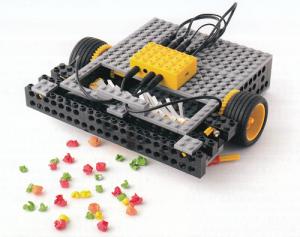 アドバンスプログラミング8~9月作製ロボット『ロンボ』
