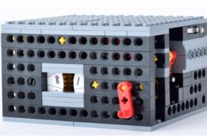 アドバンスプログラミング4~5月作製ロボット『九九ボックス』